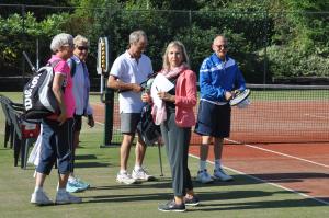 Gezellig tennissen